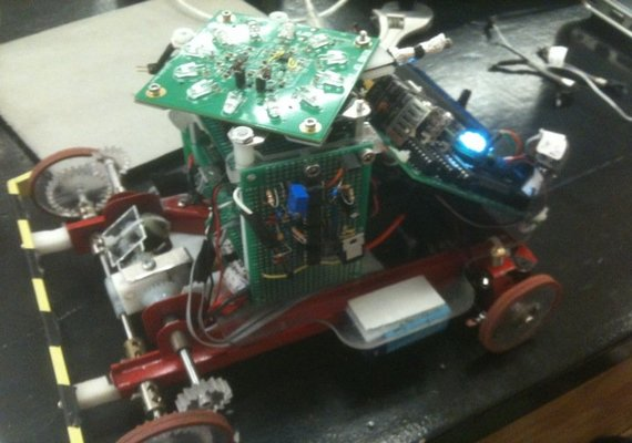 An autonomous robot that I constructed in a team of 4. The robot is to follow an ordinary black tape at high speed. I was responsible for the electrical design, and the robot features a H-bridge motor driver, power distribution board, and a combination of low and high pass filters for detecting IR signals. I have also contributed to the programming.